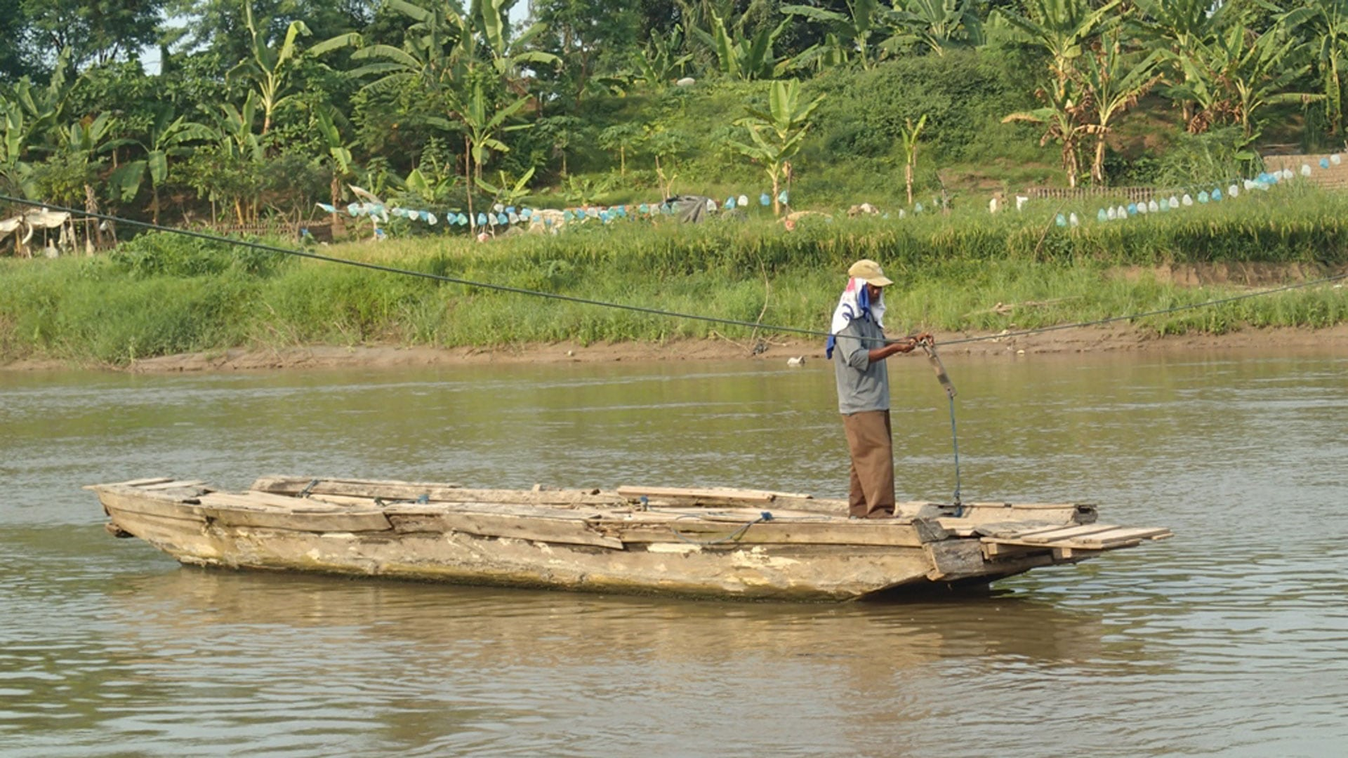 Still Film Di Pinggir Kali Citarum